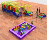 Cour de jeu d'intérieur chaude d'enfants d'amusement d'acclamation