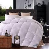 Quilt гостиницы мягко вниз с другого одеяла
