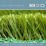 フットボールまたはSoccorの人工的な草か総合的な泥炭