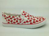女の子または女性のためのキャンバスのVulcanziedの新しいローカットの靴