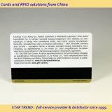 Alcançar o cartão feito do plástico com listra magnética (ISO 7811)