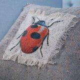 Ammortizzatore decorativo fatto a mano/cuscino con il reticolo dell'insetto (MX-47)