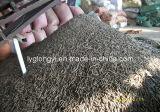 木製の餌の低い灰