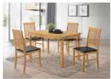 Fester hölzerner Speisetisch und Stühle 1+4 (Faux-lederne Sitzauflage)