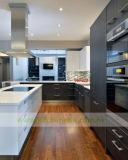 Schwarzes lamellierte Küche-Schränke mit weißem QuarzCountertop (WH-D164)