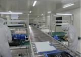 Cadeia de fabricação da tevê do diodo emissor de luz na sala de limpeza