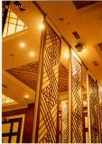 Schieben der Ultrahochtrennwände für Hotel