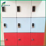 Feuerfestes Red HPL 3 Door Gym Locker mit Digital Lock