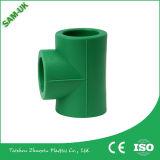 Pipes en plastique pour le té de la norme de l'OIN d'eau chaude et froide PPR réduisant l'ajustage de précision de pipe matériel de la tuyauterie PPR de té
