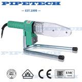 Plombier à l'aide de la machine de soudure de pipe de 40mm PPR