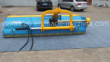 2014年のボンネットの開いた殻竿の芝刈り機
