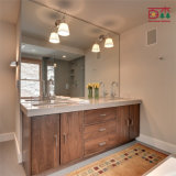 Moderner Badezimmer-Schrank-Fußboden, der hölzernen Badezimmer-Eitelkeits-Schrank steht