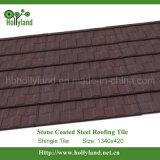 Le mattonelle di tetto di Colered con i chip di pietra hanno ricoperto (mattonelle dell'assicella)