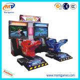 Машина видеоигры участвуя в гонке автомобиля видеоигры