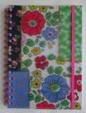 Cuaderno doble de la cubierta del protector del PVC del espiral A5 con la venda de elástico