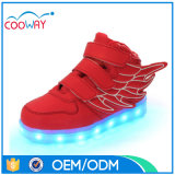 Validar a OEM modifican los zapatos de los cabritos para requisitos particulares LED, altas zapatillas de deporte de los zapatos de la tapa LED para los cabritos