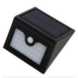 Indicatore luminoso di via impermeabile del giardino del supporto della parete delle lampadine del sensore di movimento della lampada PIR di obbligazione di energia solare 28PCS LED