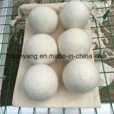 Естественный шарик прачечного более сухой чистки шерстей белых овец
