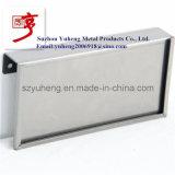 Sostenedor de la muestra del metal con la capa clara del polvo