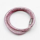 Bracelet de cuir de rayon de piqûre avec des charmes faits sur commande