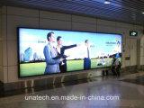 空港壁に取り付けられた広告の表示ライトボックス