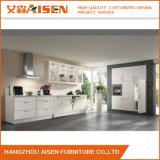 Linearer Lack-Küche-Schrank mit modernem Entwurf