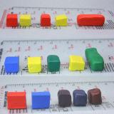 장난감과 예술을 만들기에 이용되는 Fimo 찰흙