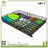 Большой крытый коммерчески парк Trampoline, зона воздуха касания скача