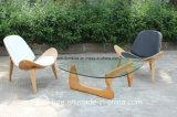 レプリカ3の足によって曲げられる合板のハンズWegnerのシェルの椅子
