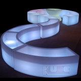 Sillas de la barra del LED que crean una atmósfera acogedora