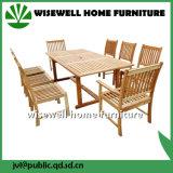 Patio de madera de roble que cena los muebles