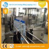 Mise en bouteilles d'eau potable potable/Aqua/emballage/machine de remplissage
