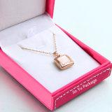 Rectángulo de empaquetado de la joyería de cuero falsa cuadrada rosada del regalo para el colgante