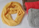 Sciarpa di collo lavorata a maglia filo di ordito bianco acrilico di 100%