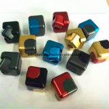 Le fileur de cube en personne remuante le plus populaire le plus neuf