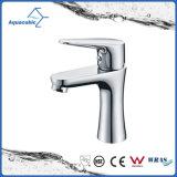 Fini simple de chrome de robinet de bassin de traitement de taraud de mélangeur de bassin de salle de bains