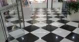 極度の白い極度の黒い磁器は建築材料の装飾の床タイルの磁器のタイルをタイルを張る