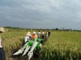 밀을%s 진흙 신청된 걷는 결합 수확기
