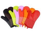 Изоляция жары перчаток печи кухни домочадца резиновый противоюзовая