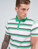 Люди замыкают накоротко рубашку пола втулок с нашивкой