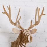 DIY kreativer hölzerner Tierkopf für dekorative Weihnachtshauptverzierungen