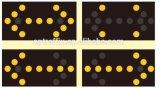 Verkehr, der LED-blinkende Pfeil-Zeichen warnt