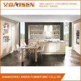 Module de cuisine blanc d'enveloppe de vinyle de type en bois solide de copie de couleur
