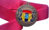 Premi delle medaglie di disegno a forma di cuore con elaborare morbido dello smalto