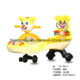 O carro de balanço do bebê com o carro de Swayin do espaldar caçoa o carro do brinquedo