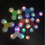 Girocompás superior de la rotación de la yema del dedo del hilandero de la persona agitada de la mano del plástico LED ODM/OEM de los juguetes