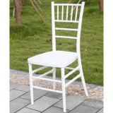 Chaise blanche de Chiavari de résine