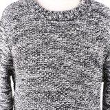 長い袖が付いている重いゲージの冬の基本的な様式の暖かい男の子のセーターの上