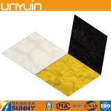 Plancher noir et blanc de PVC de losange