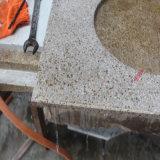Partes superiores e bancadas naturais da vaidade do granito com corte do furo da bacia